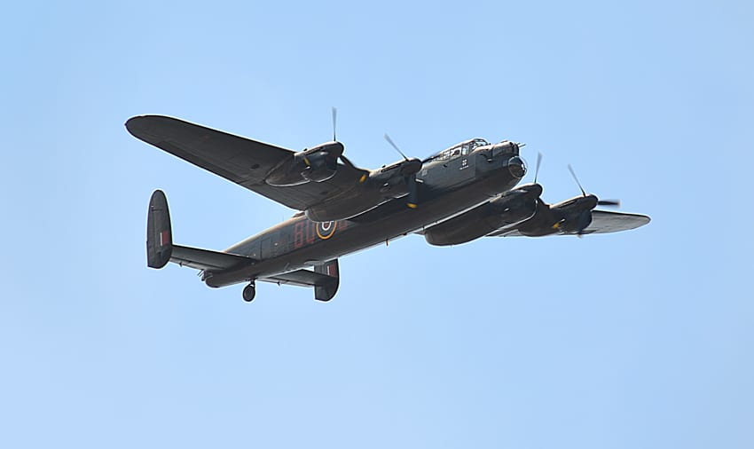 Plane Tracking - Lancaster flying over Cleveleys