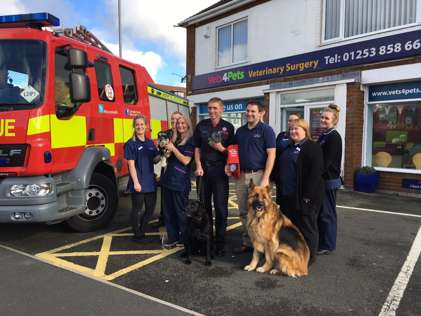 Vets4Pets Cleveleys donate resuscitation equipment